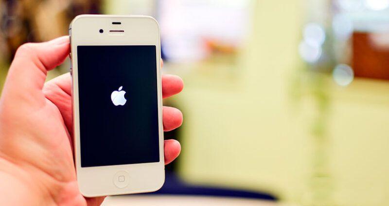 Cómo arreglar un iPhone que no se apaga
